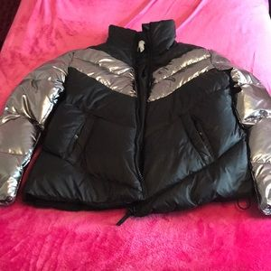 Lightweight black and metallic puffer jacket!